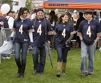 Top Chef Judges Tailgate with the Bears