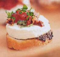 goat-cheese-sun-dried-tomato-tartine.jpg