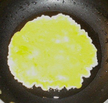 Frying Egg in Peanut Oil